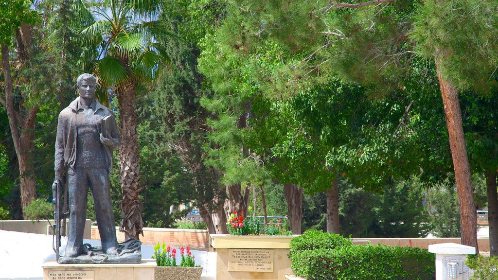 Paphos which includes a garden, a monument and a statue or sculpture
