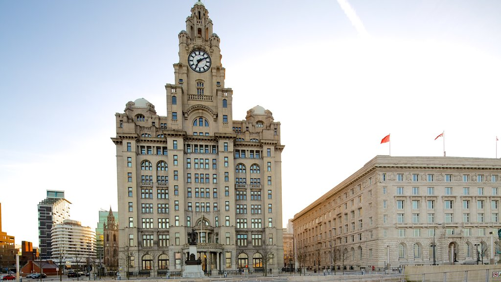 Royal Liver Building showing city views and heritage architecture