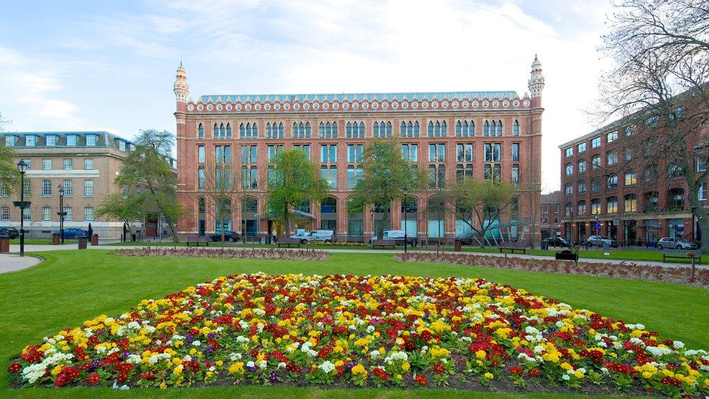 Leeds ofreciendo flores, patrimonio de arquitectura y un jardín