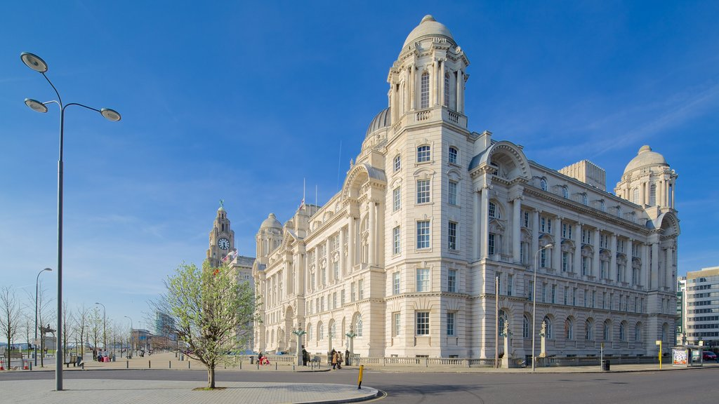 Port of Liverpool Building showing street scenes, heritage architecture and an administrative buidling