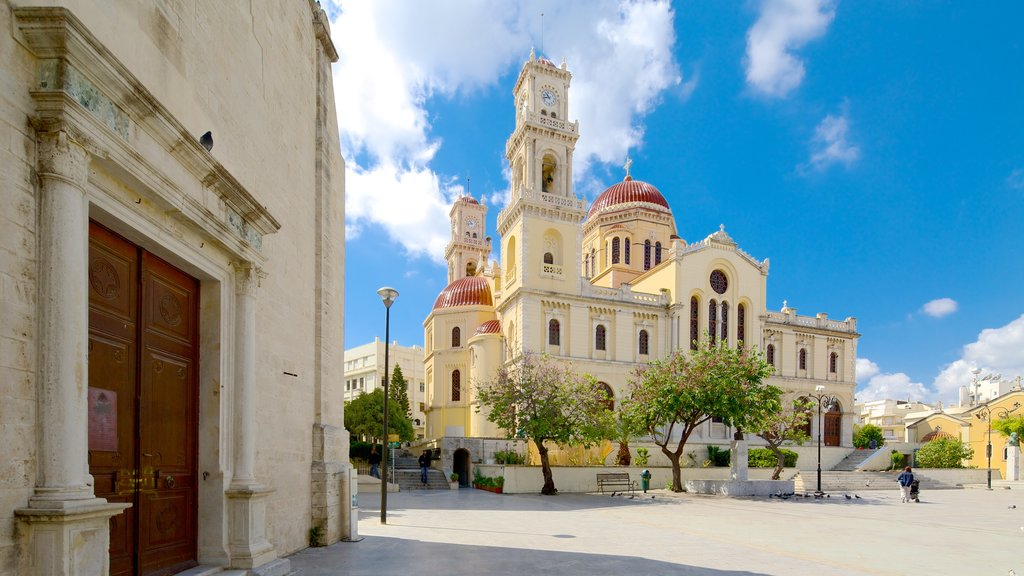 St. Minas Cathedral showing religious aspects, heritage architecture and a church or cathedral