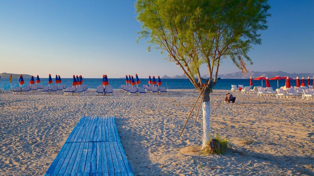 Tigaki Beach featuring a beach