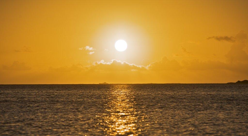 Samoa showing a sunset and general coastal views