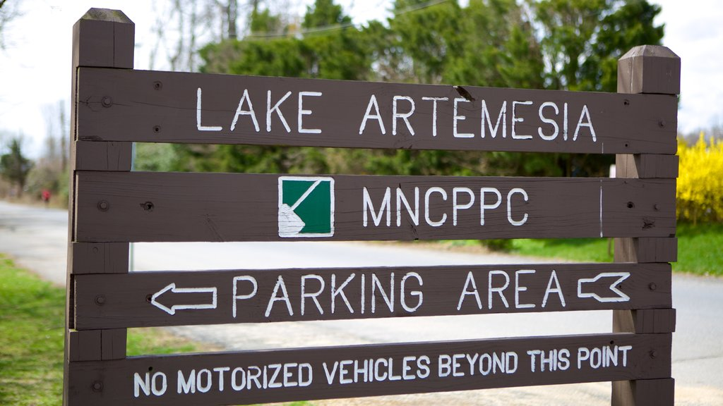 Lake Artemesia featuring signage