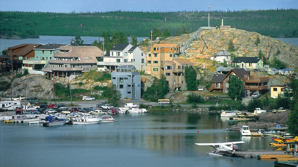 Northwest Territories showing a bay or harbor and a coastal town