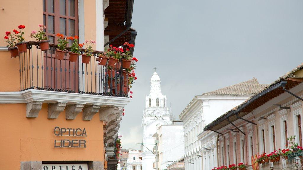 Quito featuring heritage architecture