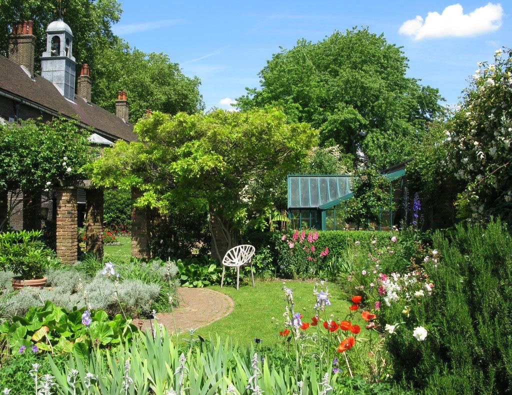 Geffrye Museum gardens
