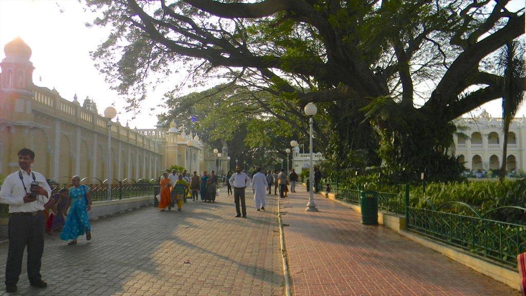 Mysore featuring street scenes