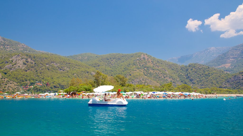 Oludeniz showing general coastal views and boating
