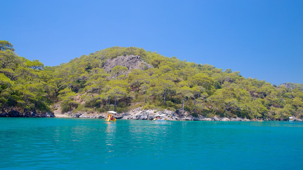 Oludeniz which includes rocky coastline