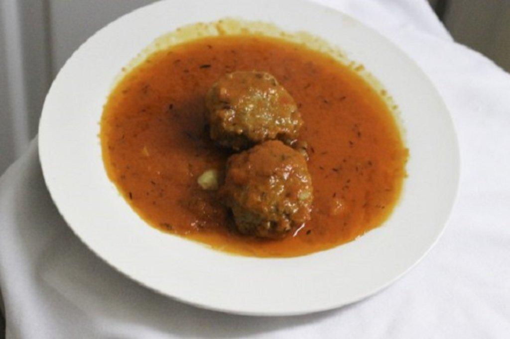 Bulgarian meatballs in tomato sauce