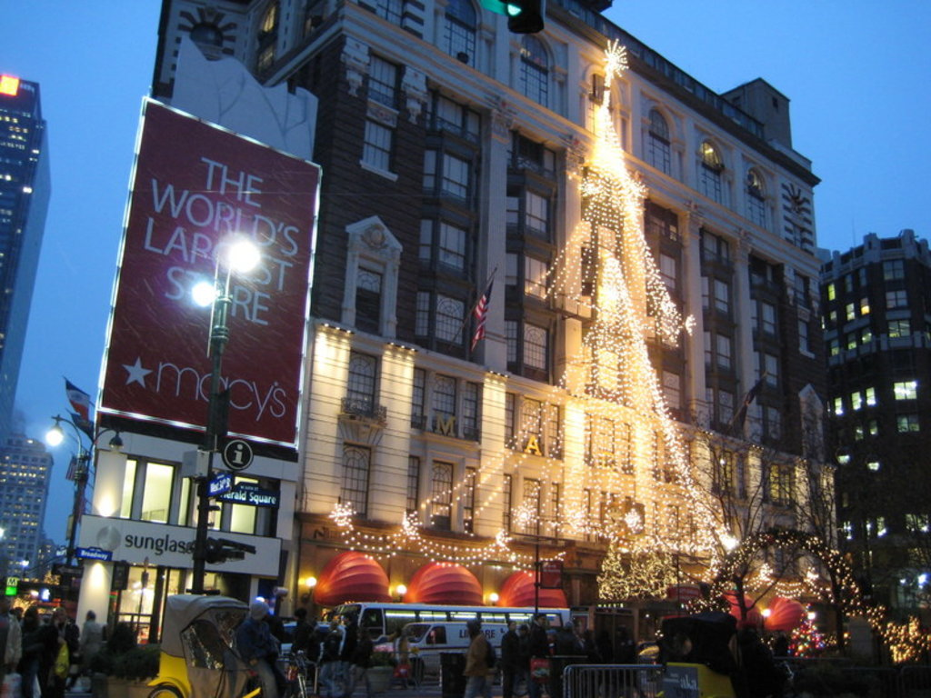 Christmas in the Big Apple. Image by Phil Whitehouse via CC BY 2.0 licence.