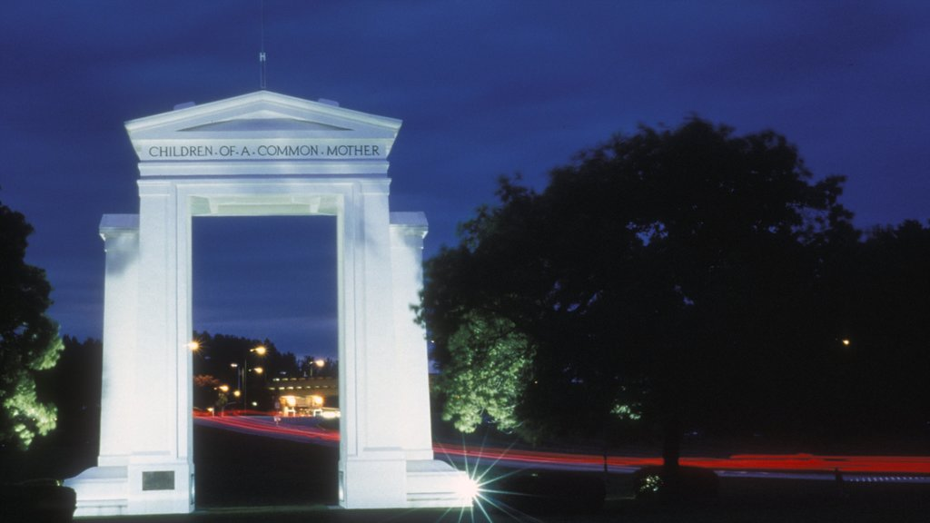 Bellingham showing night scenes and a monument