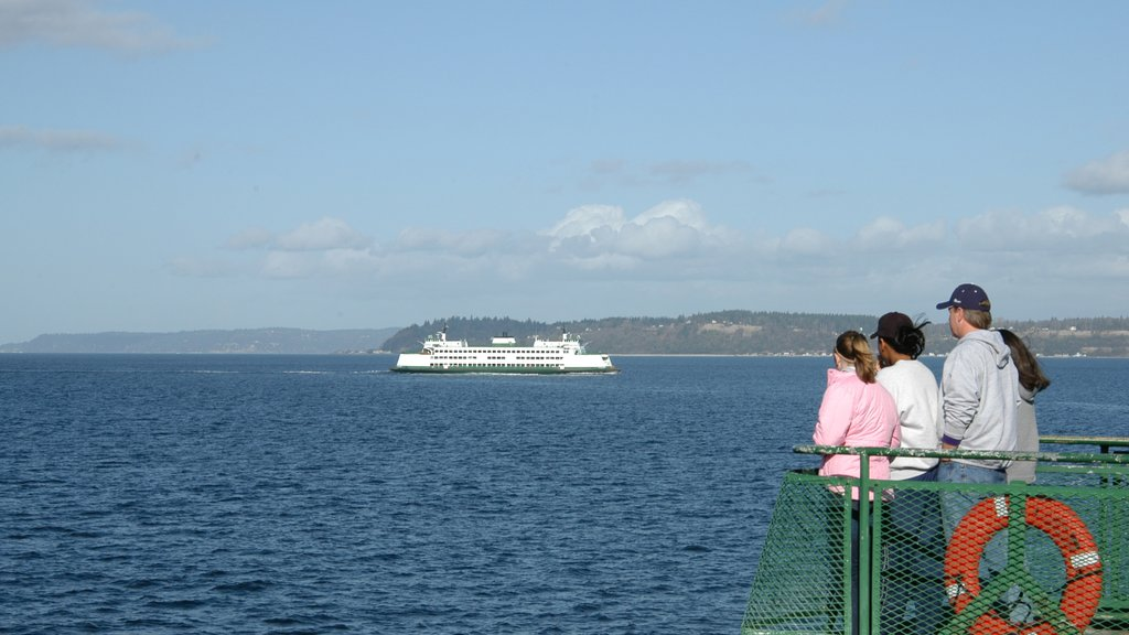 Mukilteo showing views, cruising and general coastal views