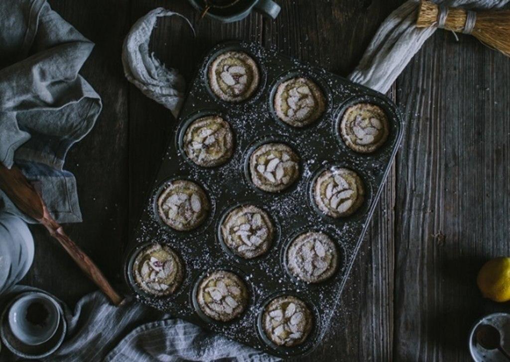 Torta della nonna: Italian custard tart