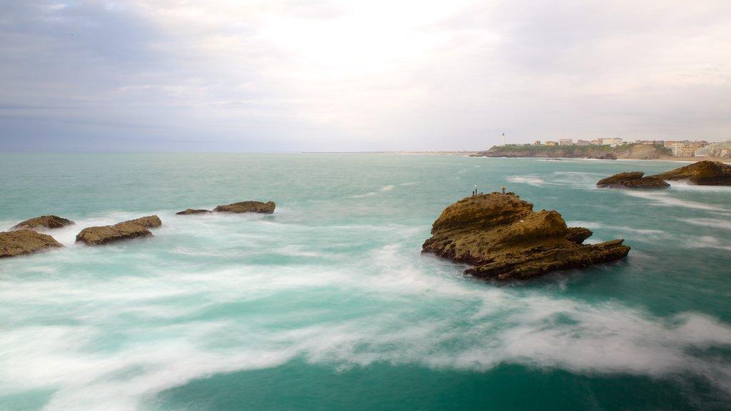Virgin\'s Rock which includes rugged coastline