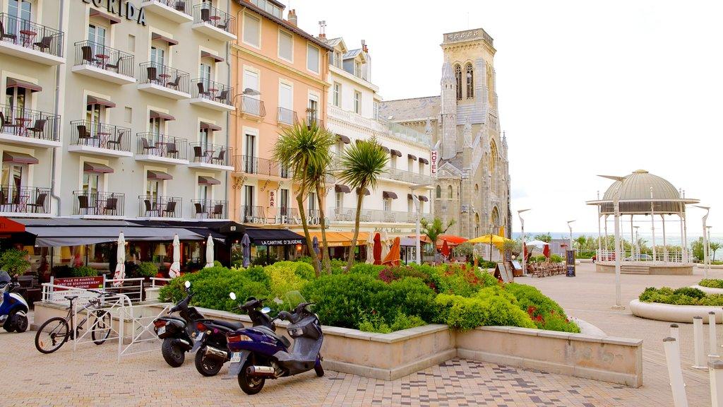 Biarritz which includes a garden