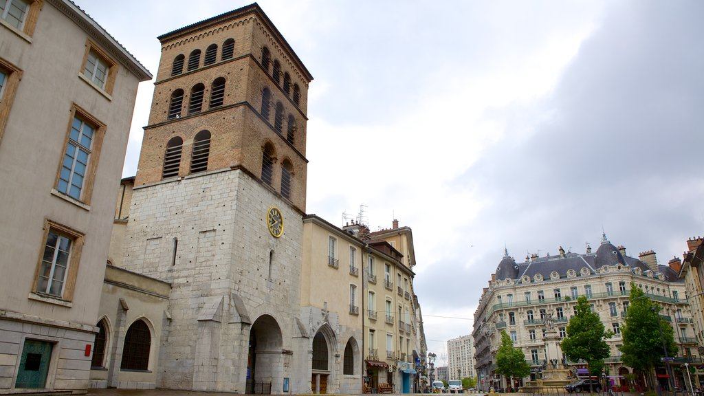 Eglise Notre Dame showing heritage architecture