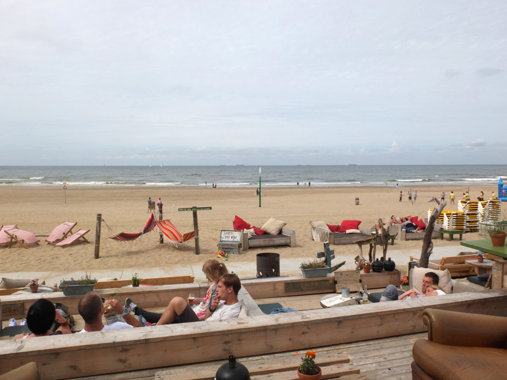 DenHaag_beach02