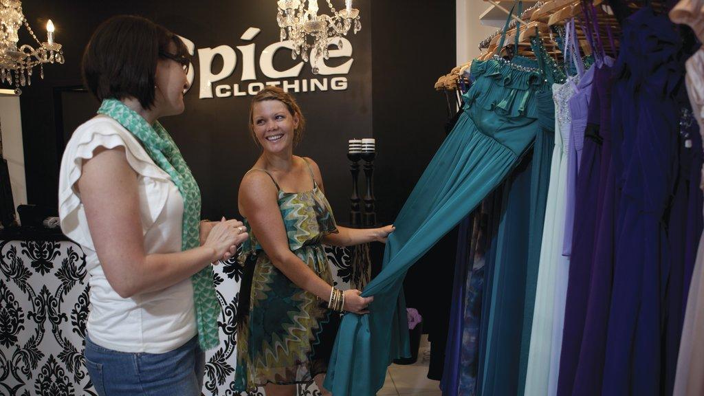 Albury showing fashion, interior views and shopping