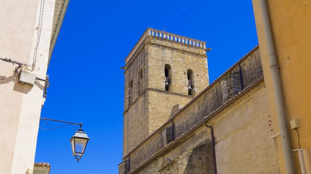 Orange which includes heritage architecture