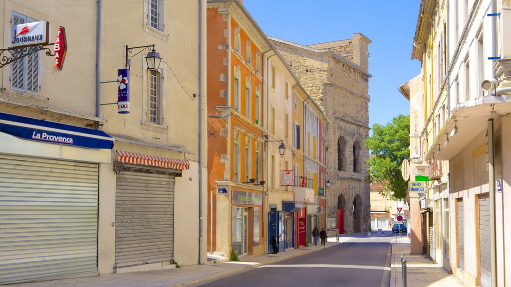 Orange which includes street scenes