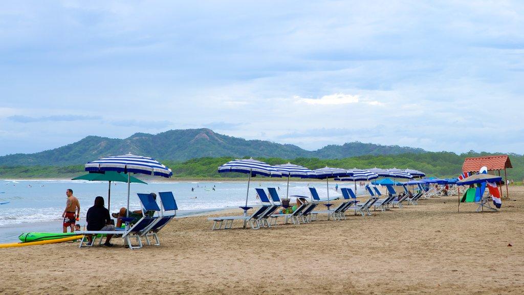 Tamarindo mostrando una playa