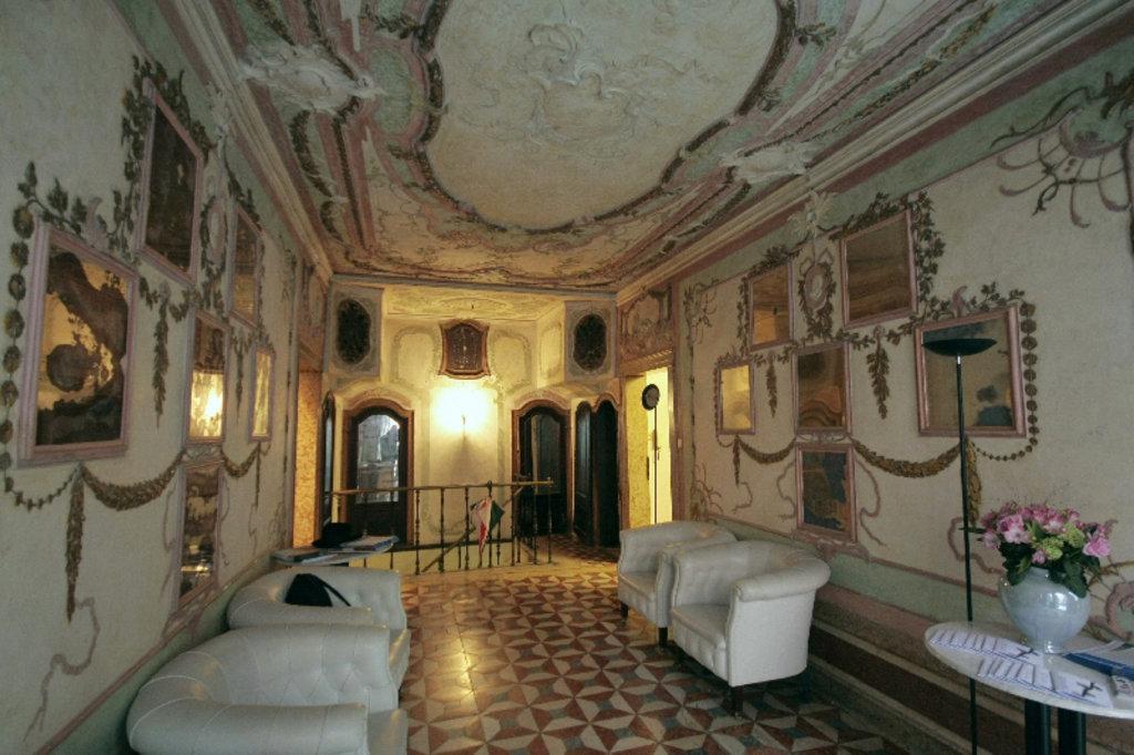 Venice Decadence