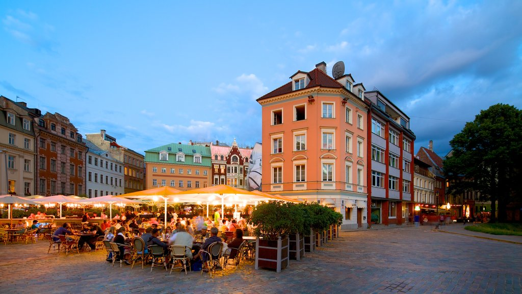 Old Town showing street scenes, outdoor eating and dining out