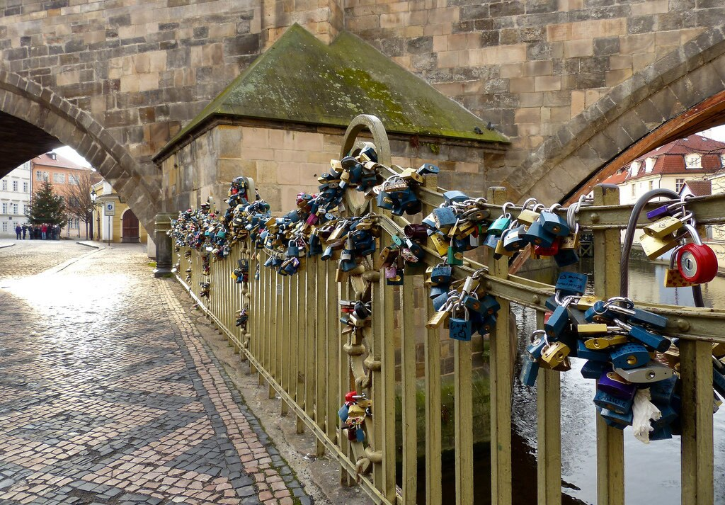 Love locks (Credit: romanboed on Flickr)