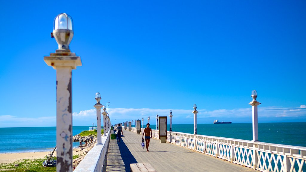 Fortaleza which includes general coastal views