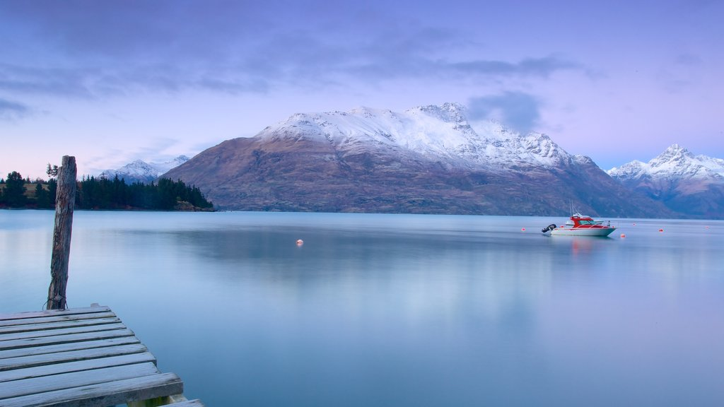 Queenstown featuring snow, mountains and landscape views