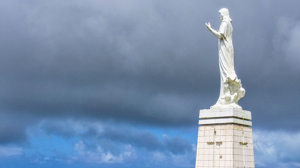 Saipan featuring religious aspects and a statue or sculpture