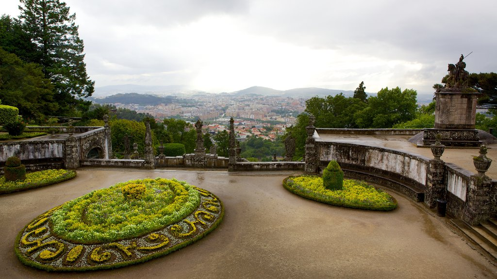 Bom Jesus do Monte showing a park