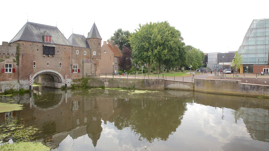 Amersfoort showing a river or creek and heritage elements