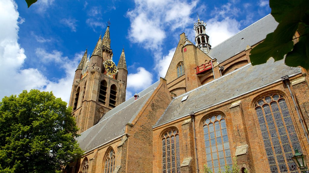 Oude Kerk which includes a church or cathedral and heritage architecture