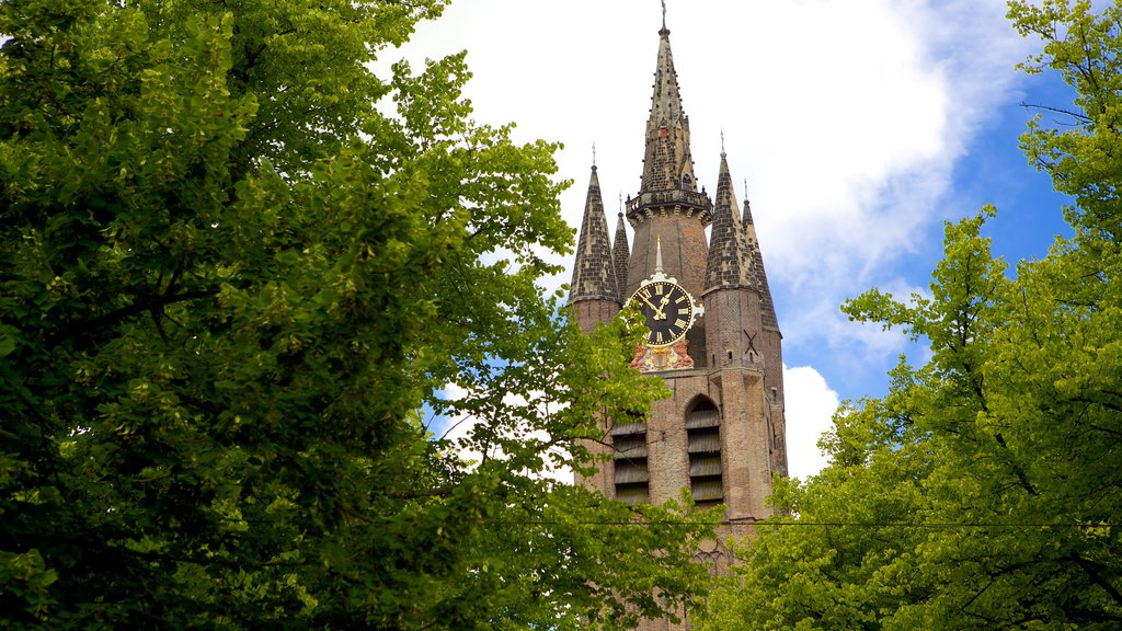 Oude Kerk which includes heritage architecture