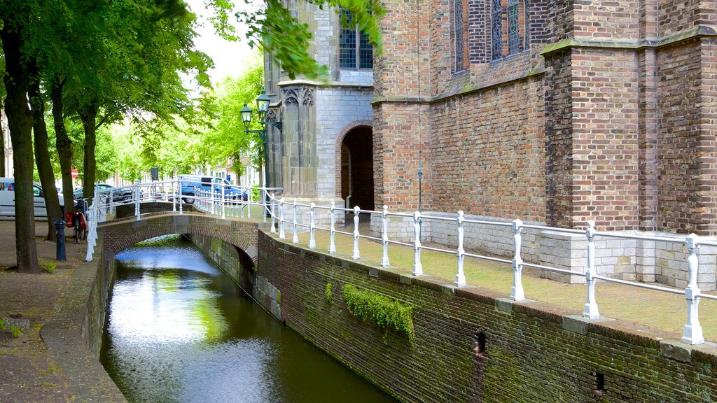 Oude Kerk showing a river or creek and a bridge