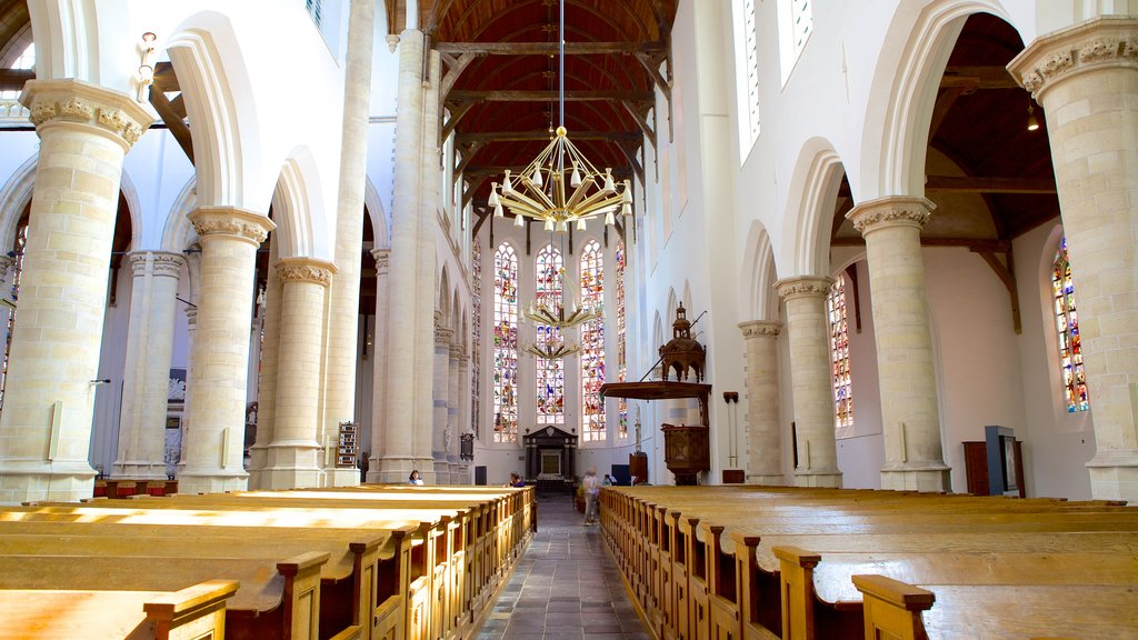 Oude Kerk showing religious elements, a church or cathedral and interior views