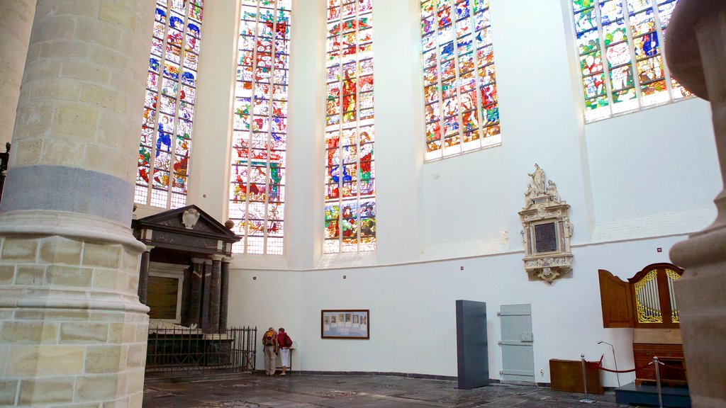 Oude Kerk which includes a church or cathedral, interior views and religious elements