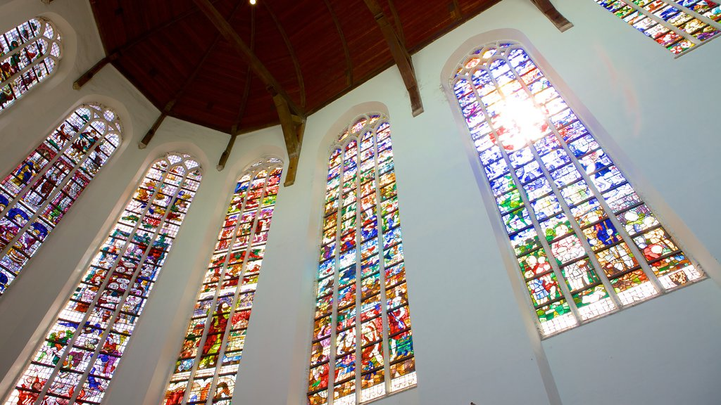 Oude Kerk showing interior views, religious elements and a church or cathedral
