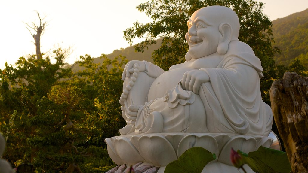 Son Tra Mountain which includes a statue or sculpture and a garden
