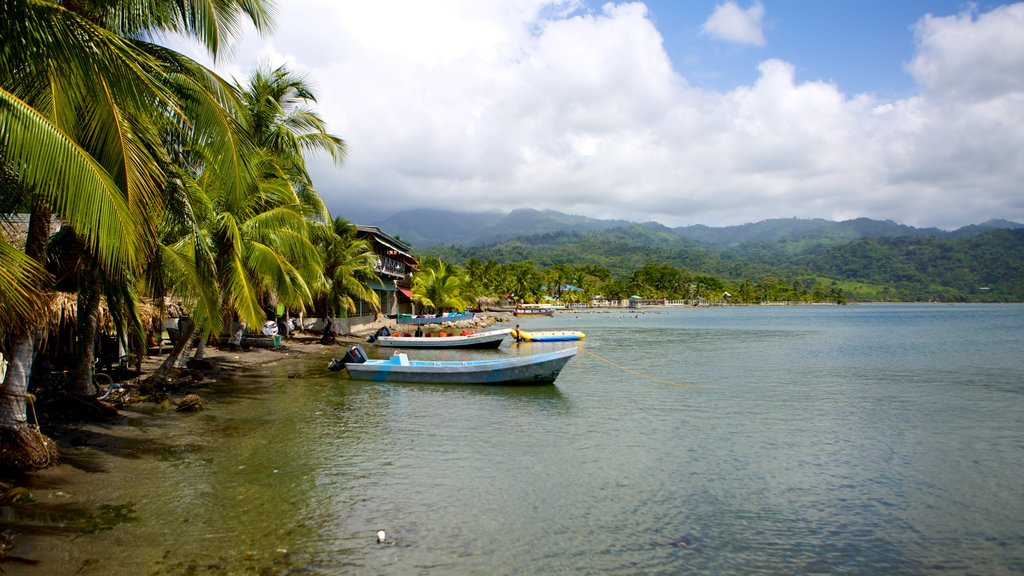 Omoa which includes boating, landscape views and general coastal views