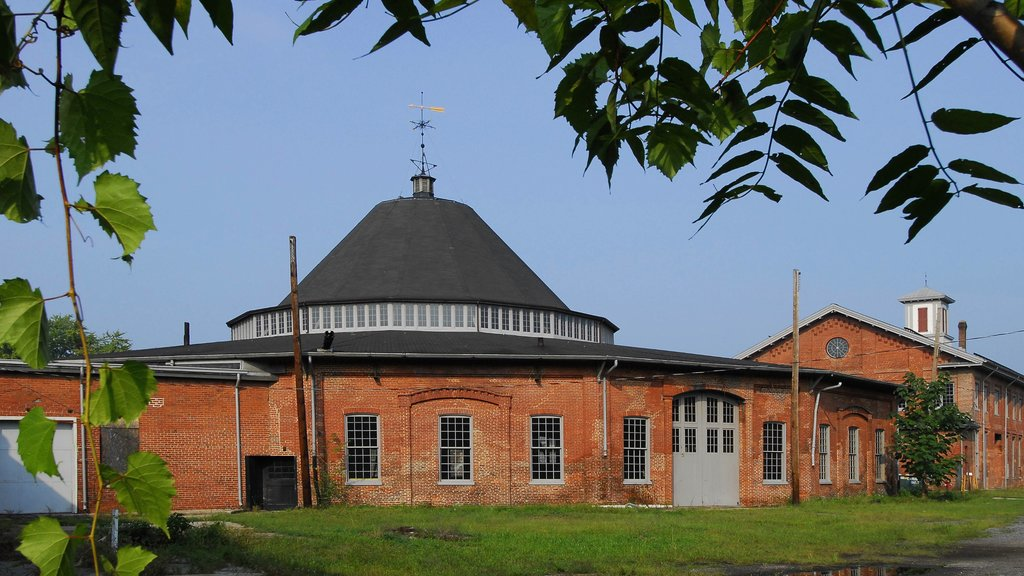 Martinsburg featuring heritage architecture