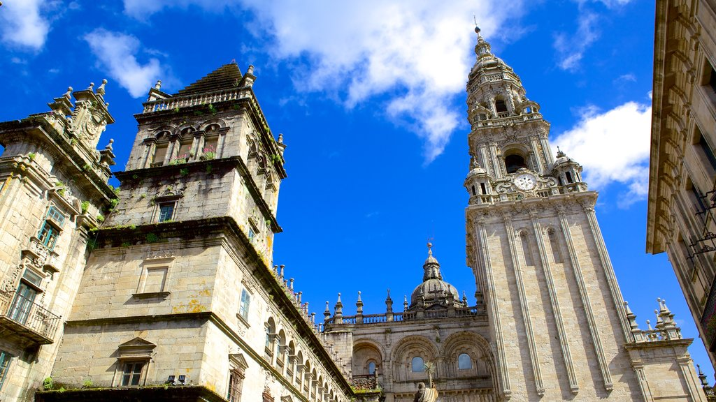 Santiago de Compostela Cathedral showing a church or cathedral, religious elements and heritage elements