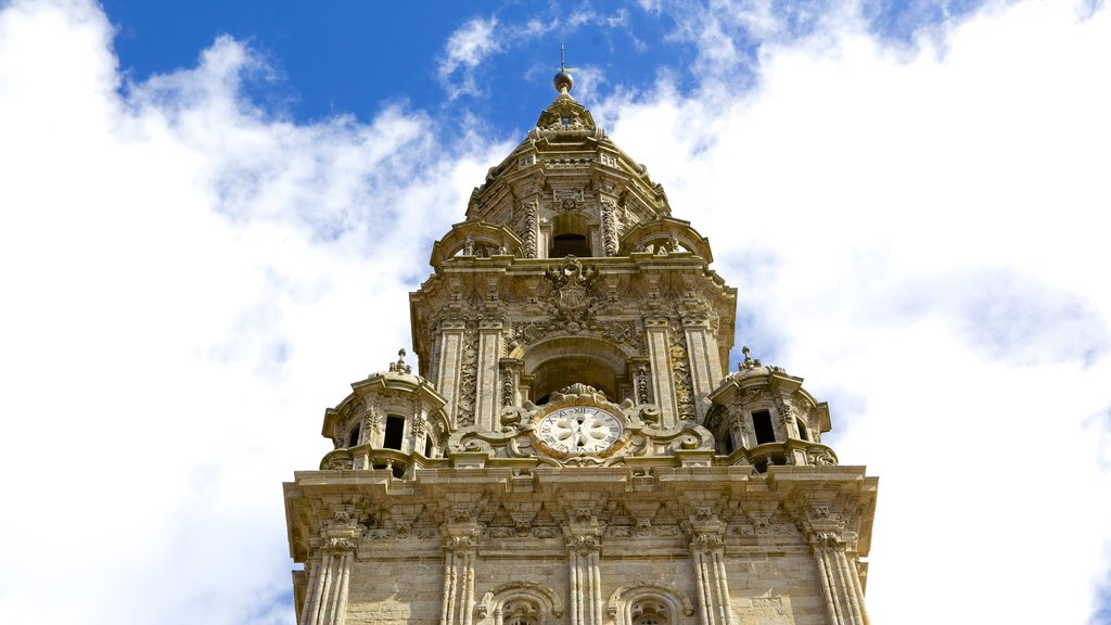 Santiago de Compostela Cathedral featuring a church or cathedral, heritage architecture and heritage elements