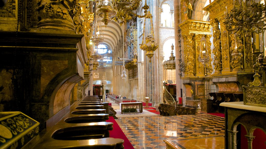 Santiago de Compostela Cathedral featuring a church or cathedral, religious aspects and interior views