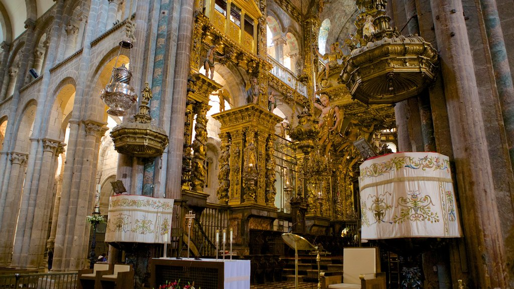 Santiago de Compostela Cathedral which includes heritage elements, interior views and a church or cathedral