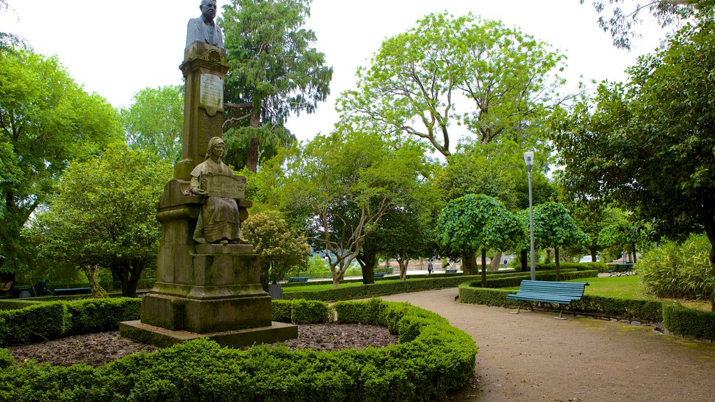 Alameda Park which includes a monument, a garden and a statue or sculpture
