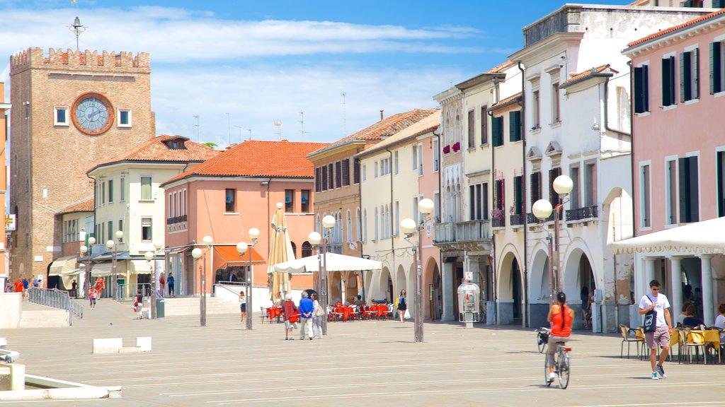 Piazza Ferretto showing street scenes